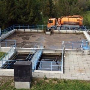 Odpadní voda pod drobnohledem laboratoří