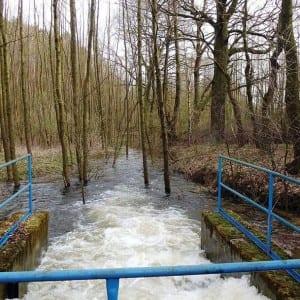 Proběhlo odkalení přivaděče mezi Úpravnou vody Podhradí a Krmelínem