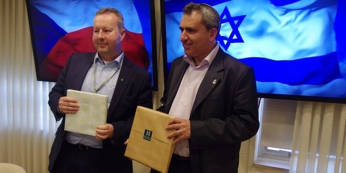 Ministr_Izrael-Cropped-700x350