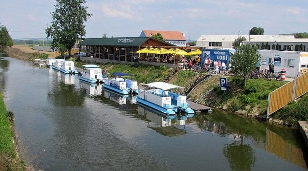 plavba-batuv-kanal_denik-630-630x350