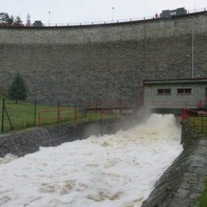 Vodní nádrže odvrátily a zpomalily povodně