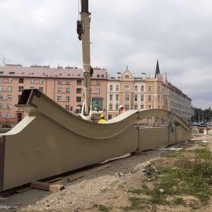 Povodí Moravy začalo v Olomouci skládat konstrukci mostu