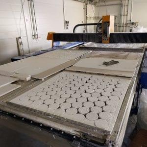 Český výrobce ochranných prostředků AVEC CHEM očekává za letošek tržby přes 160 milionů korun. Investuje do modernizace výroby i výzkumu