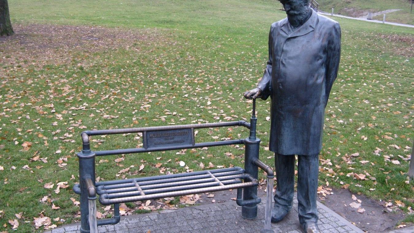 William_Heerlein_Lindley_monument_in_Warsaw_2014
