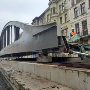 V Olomouci se dal do pohybu dvěstědevadesátitunový rejnok